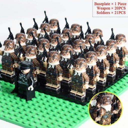 WW2 German Soldiers 20 Minifigures Pack + Commander & Weapons