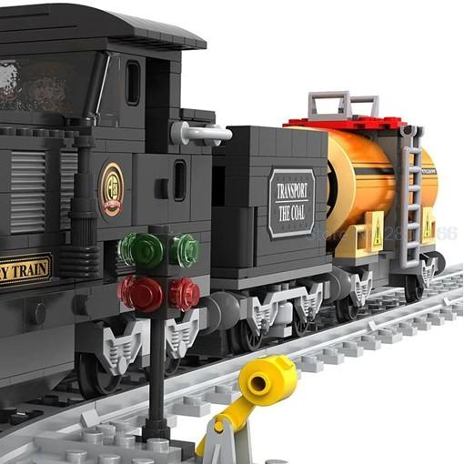 City Train Steam Locomotive - 483 Pieces